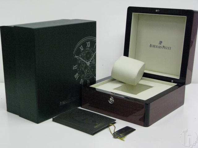 AUDEMARS PIGUET WATCH BOX SET