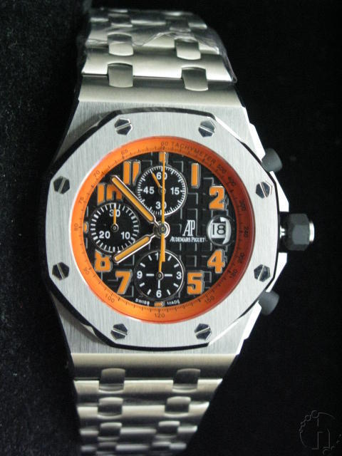 Audemars Piguet Royal Oak Offshore Volcano Chronograph Steel Band 7750 28,800b